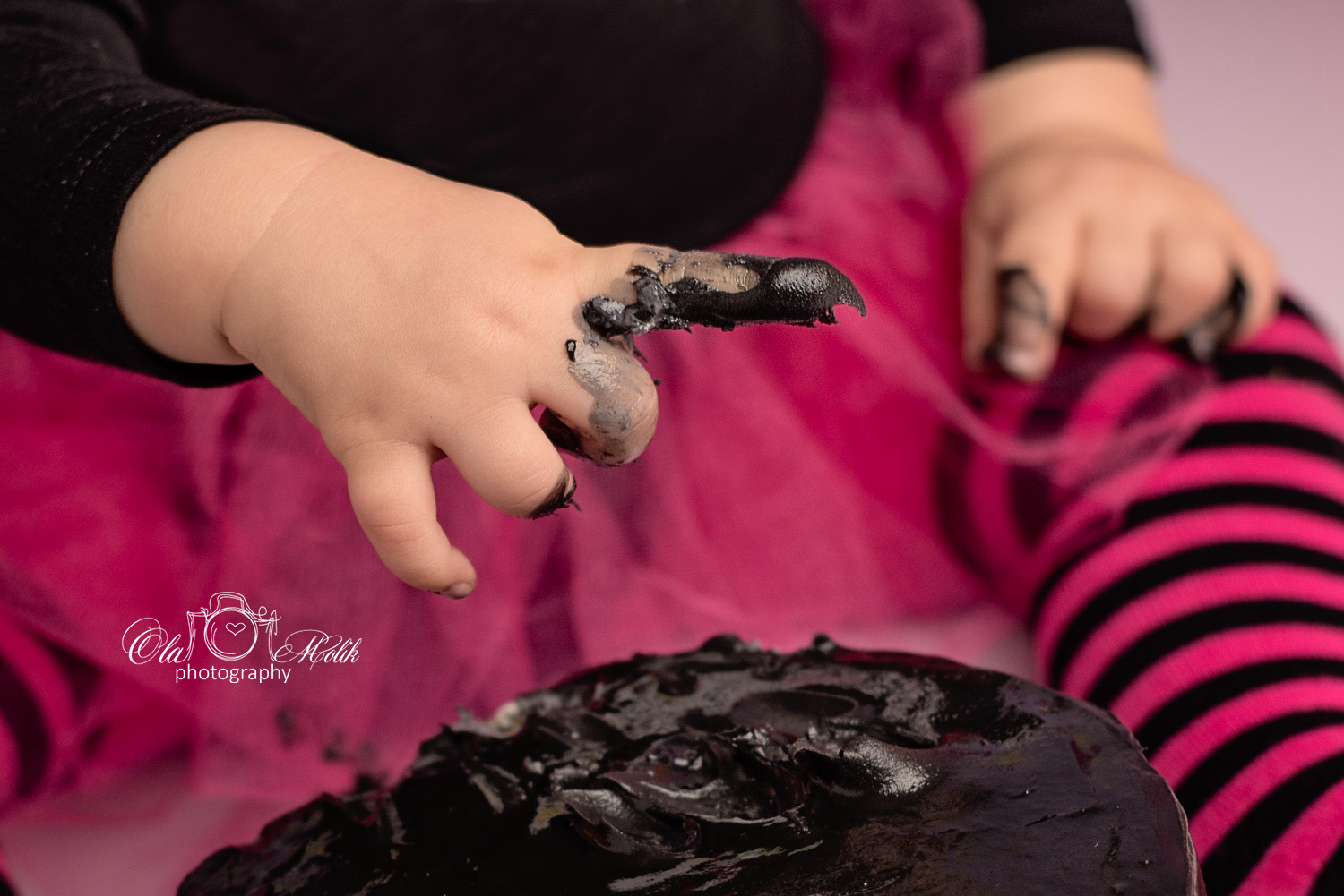 halloween-cake-smash-glasgow-ola-molik-photography-12a