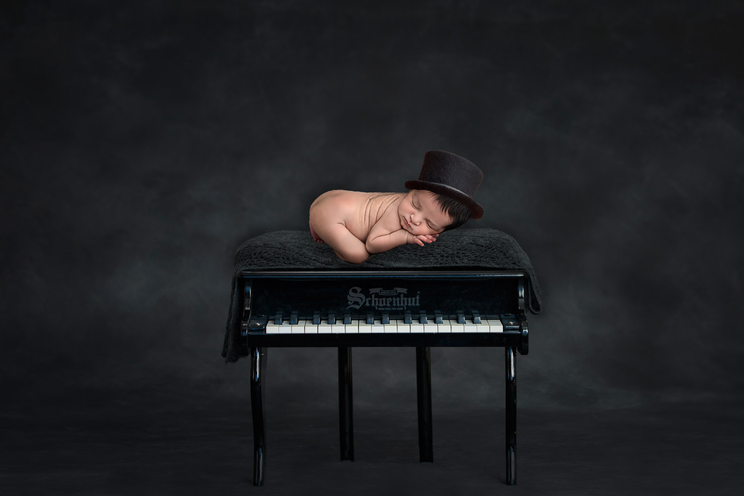 Family Newborn Photography- Glasgow Photographers- Ola Molik Photography